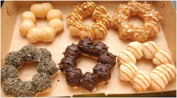 Mesin-Pembuat-Donut-Bentuk-Flower-listrik-2-maksindobogor (1)