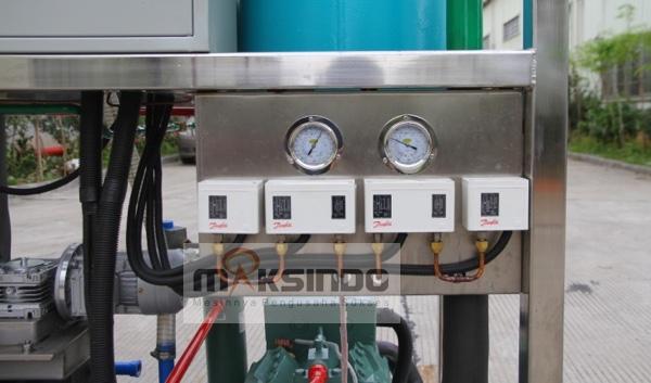 Mesin-Es-Tube-Industri-1-Ton-ETI-01-1-tokomesin-bogor (9)